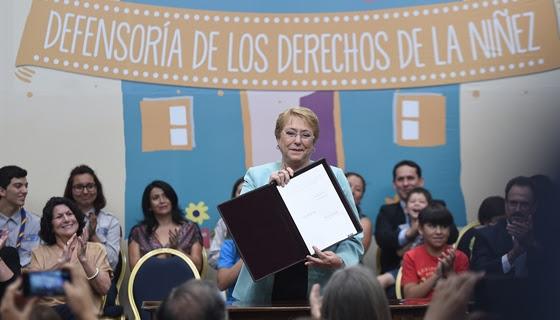 Presidenta Bachelet promulgó ley que crea defensoría de la niñez