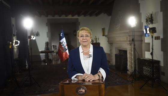 Bachelet destaca gratuidad como legado en su último mensaje de Año Nuevo