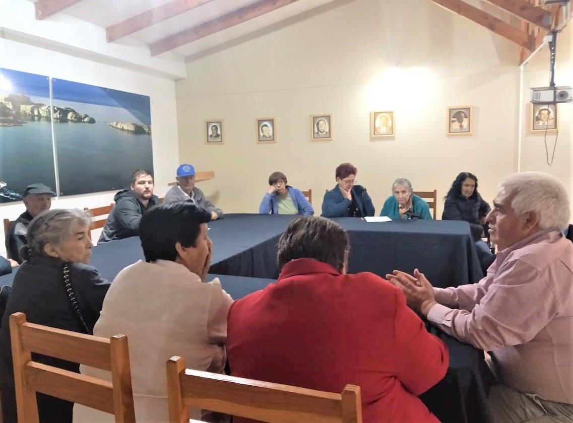 Adultos Mayores de la comuna de Chile Chico tendrán 80% de descuento al renovar licencia de conducir - Radio Las Nieves
